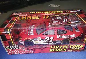 【送料無料】模型車 モデルカー スポーツカーエリオットサドラーコレクターシリーズチェイスレーススケール#トイelliott sadler collectors series chase the race 124 scale 21 motorcraft toy