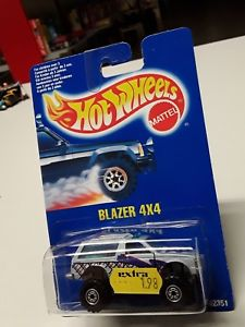 【送料無料】模型車 モデルカー スポーツカーホットホイールブレザーhot wheels blazer 4x4 12351 of 1991 in original box