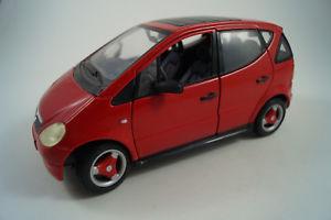 【送料無料】模型車 モデルカー スポーツカーモデルカーメルセデスベンツクラスmaisto model car 118 mercedesbenz aclass