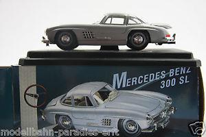 【送料無料】模型車 モデルカー スポーツカーメルセデスベンツシルバーオリジナルボックスbburago burago 124 mercedes benz 300 sl silver 1954 with original box dm12
