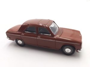 【送料無料】模型車 モデルカー スポーツカープジョーフランスブックレットpeugeot 304 143 cars french norev n40135 booklet