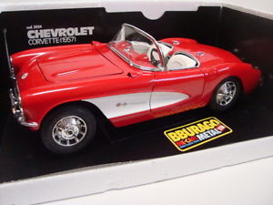 【送料無料】模型車 モデルカー スポーツカーシボレーコルベットコードミントbburago 118 chevrolet corvette redwhite code 3024 a 99 mint boxed