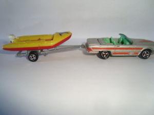 【送料無料】模型車 モデルカー スポーツカーミニチュアヴィンテージメルセデスボートvoiture miniature vintage 160 mercedes 350 sl with rowboat majorette