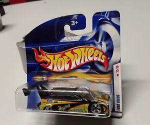 【送料無料】模型車 モデルカー スポーツカーホットフォードフォーカスhot wheels ford focus 25 of 36 in original box