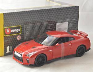 【送料無料】模型車 モデルカー スポーツカーヌエボレッドnuevo 124 bburago 1821082 nissan gtr, red 2017