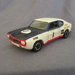 【送料無料】模型車 モデルカー スポーツカーフォードカプリ#リカールサーキット57e corgi 331 ford capri i 1 ricard circuit 143 repainted