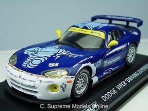 【送料無料】模型車 モデルカー スポーツカーミシュランダッジバイカーモデルサイズパックバージョンレーシング