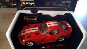 【送料無料】模型車 モデルカー スポーツカーレッドゴールデンリムクーペモデルカーbburago dodge viper gts coup model car of 1 18 red golden rims