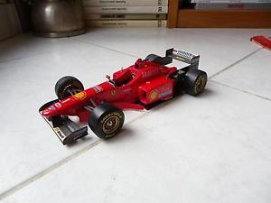 【送料無料】模型車 モデルカー スポーツカーフェラーリミハエルシューマッハーミニチュアferrari f310 michael schumacher 1 1996 maisto 120 miniature f1