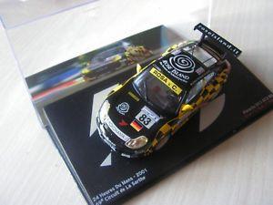 【送料無料】模型車 モデルカー スポーツカーレースカーポルシェグアテマラルマンセリエ143 race car porche 911 gt3 r5 2001 24 hours of le mans serie 9