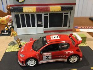 【送料無料】模型車 モデルカー スポーツカープジョーラリーカーpeugeot 206 wrc limited edition rally cars 143