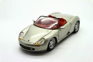 【送料無料】模型車 モデルカー スポーツカーポルシェボクスター118 maisto porsche boxster
