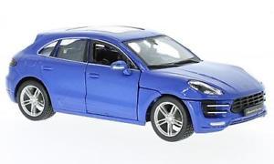 【送料無料】模型車 モデルカー スポーツカーポルシェメタリックporsche macan, metallic blue, 124, bburago