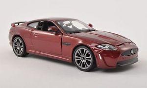【送料無料】模型車 モデルカー スポーツカージャガーメタリックダークレッドjaguar xkrs, metallic dark red, 124, bburago
