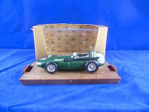 【送料無料】模型車 モデルカー スポーツカーbrumm r98 1957vanwall18f1 hp 285グリーン143brumm r98 1957 vanwall racing no 18 f1 hp 285 green 143 scale