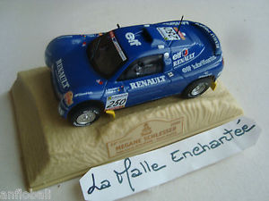 【送料無料】模型車 モデルカー スポーツカールノーmegane schlesser paris dakar2000143norevplexirenault megane schlesser paris dakar year 2000 143 norev box plexi