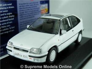 【送料無料】模型車 モデルカー スポーツカーオペルモデルカーアークティックホワイトアストラopel kadett model car mk2 artic white 143 corgi vanguards va13207b astra t34z
