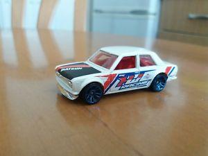 【送料無料】模型車 モデルカー スポーツカーホットホイールダットサンhot wheels datsun 510 excelent condition