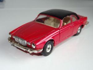 【送料無料】模型車 モデルカー スポーツカーコーギージャガーg corgi jaguar xj12c 286