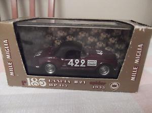 【送料無料】模型車 モデルカー スポーツカーランチアクモセリエスケールbrumm serie oro r186 lancia r24 spider 1955 143 scale