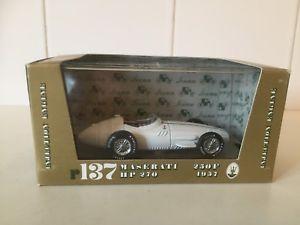 【送料無料】模型車 モデルカー スポーツカーモデルマセラティマセラティインジェクションスケールモデルbrumm models f1 1957 maserati 250f injection  143 scale model r137