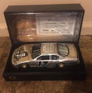 【送料無料】模型車 モデルカー スポーツカーキングブリストルサインエリートdarrell waltrip dw 2004 king of bristol 124 autographed coa rcca elite 360