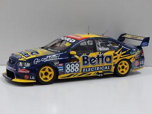 【送料無料】模型車 モデルカー スポーツカーフォードバファルコンチームウィルソン#ビアンテメートル118 ford ba falcon team betta electrical mwilson 2004 888 biante b180702m