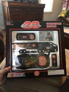 【送料無料】模型車 モデルカー スポーツカーボックステキサココレクタアップdavey allison collectors edition extremely rare in box dr pepper texaco 7up