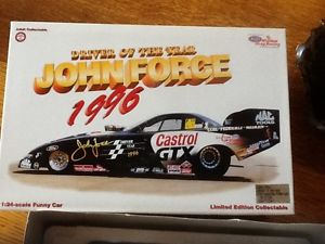 【送料無料】模型車 モデルカー スポーツカームスタングカージョンフォースドライバーjohn force driver of the year mustang funny car