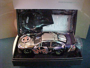 【送料無料】模型車 モデルカー スポーツカーデイルアーンハートジュニアウィスキーホワイトゴールドエリート# 2009 dale earnhardt jr whisky river white gold elite 124 car 16 of 25