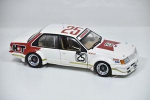 【送料無料】模型車 モデルカー スポーツカーホールデンコモドールサンダウンアランモファット#holden vc commodore 1980 sandown  3nd place allan mat 25 18310
