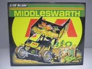 【送料無料】模型車 モデルカー スポーツカースケールキースカウフマンポテトバージョンスプリントカー118 scale ramp;r keith kauffman middleswarth potato dirty version sprint car