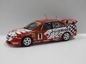 【送料無料】模型車 モデルカー スポーツカーホールデンコモドール#オートアート118 holden vx commodore hrt mskaife 2002 1 auto art 80264