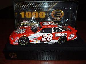 【送料無料】模型車 モデルカー スポーツカートニースチュワートホームデポポンティアックエリートtony stewart 20 home depot 1999 rookie pontiac elite 3711000