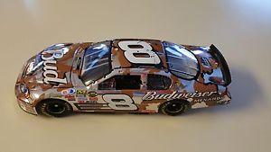 【送料無料】模型車 モデルカー スポーツカーデイルアーンハートジュニアアメリカンヒーロープラチナdale earnhardt jr 2007 american heroes platinum 124 825