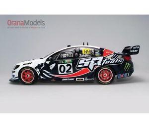 【送料無料】模型車モデルカースポーツカーホールデンコモドール#112holdencommodorevf2015tander2b12h15x