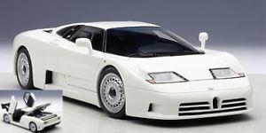 【送料無料】模型車 モデルカー スポーツカーオートアートゲートウェイブガッティホワイトモデルjm 2136195 auto artgateway aa70978 bugatti eb110 gt 1995 white 118 model