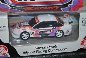 【送料無料】模型車 モデルカー スポーツカークラシックダレンペートウィンレーシングコモドールclassic carlectables 143 darren pate wynns racing commodore