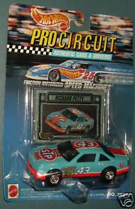 【送料無料】模型車 モデルカー スポーツカーホットホイールリチャードペティhot wheels pro circuit richard petty