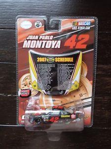 【送料無料】模型車 モデルカー スポーツカーファンパブロモントーヤ#テキサコjuan pablo montoya 42 havoline texaco 2007 dodge charger winners circle 164