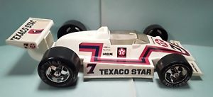 【送料無料】模型車 モデルカー スポーツカーヴィンテージ#テキサコインディカープラスチックゲイvintage 7 texaco star indy car formula one white plastic gay toys