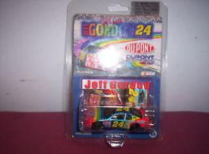 【送料無料】模型車 モデルカー スポーツカーアクション#ジェフゴードン1999 action 24 jeff gordon limited edition 164 car