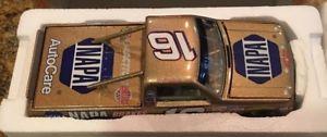 【送料無料】模型車 モデルカー スポーツカーロンパゴールドレースron hornaday napa gold racing 124