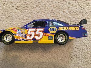 【送料無料】模型車 モデルカー スポーツカーアクションレーシンググッズマイケル#ナパカムリaction racing collectables michael waltrip 55 napa 2008 camry