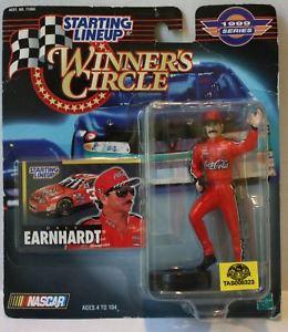 【送料無料】模型車 モデルカー スポーツカーラインナップ#サークルデイルアーンハートtas008323 1999 starting lineup winner039;s circle nascar dale earnhardt