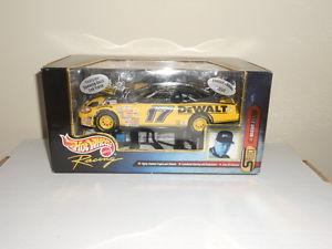 【送料無料】模型車 モデルカー スポーツカーホットホイールマット#1999 hot wheels matt kenseth 17 dewalt 124 special edition to 9998 cars sealed