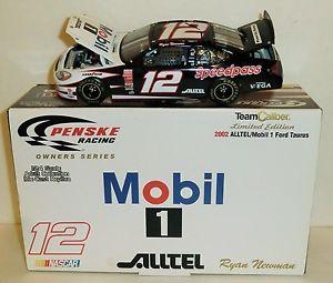 【送料無料】模型車 モデルカー スポーツカーライアンニューマン#モービルチームキャリバーオーナーシリーズフォードトーラスryan man 12 mobil 1 alltel 2002 124 team caliber owner series ford taurus
