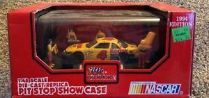 【送料無料】模型車 モデルカー スポーツカースケールストップショーケースコダック#カーエディションnascar 143 scale diecast replicapit stop show case kodak 4 car 1994 edition