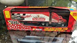 【送料無料】模型車 モデルカー スポーツカーウィンストントランスポーターデイルアーンハートスケール1993 the winston winner transporter dale earnhardt 164 scale nib