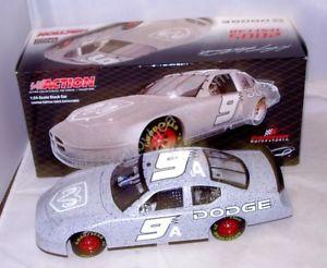 【送料無料】模型車 モデルカー スポーツカーアクション#ダッジディーラーテストダッジチャージャーケーシー124 action 2005 9 dodge dealers test car dodge charger kasey kahne